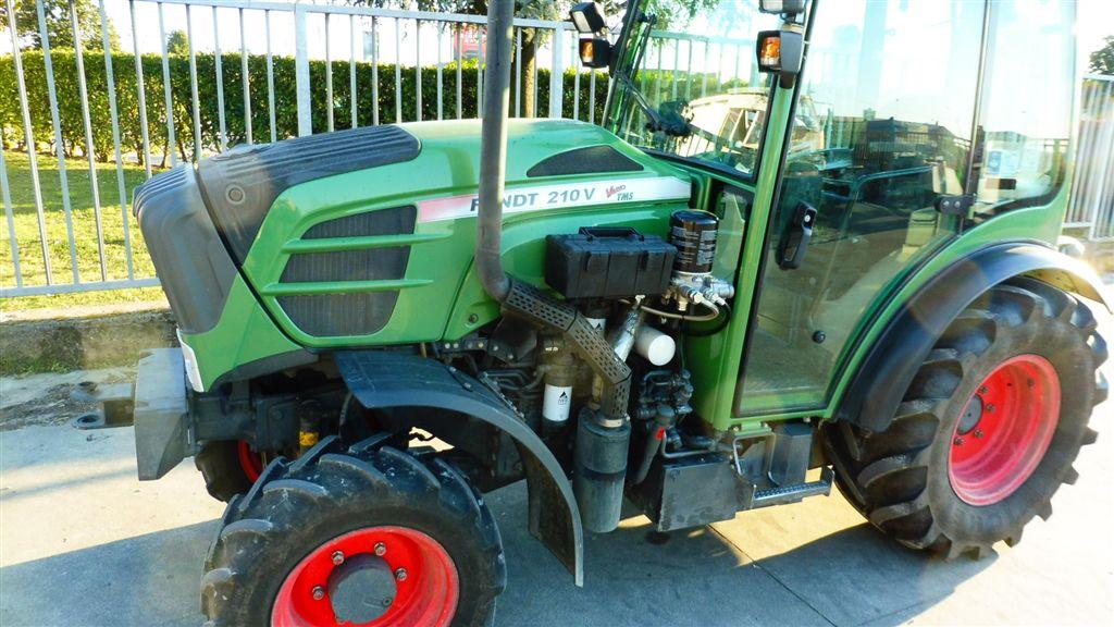 Impianto di frenatura idraulico monolinea tipo CUNA e pneumatico su trattore FENDT 210 V VARIO TMS FRUTTETO