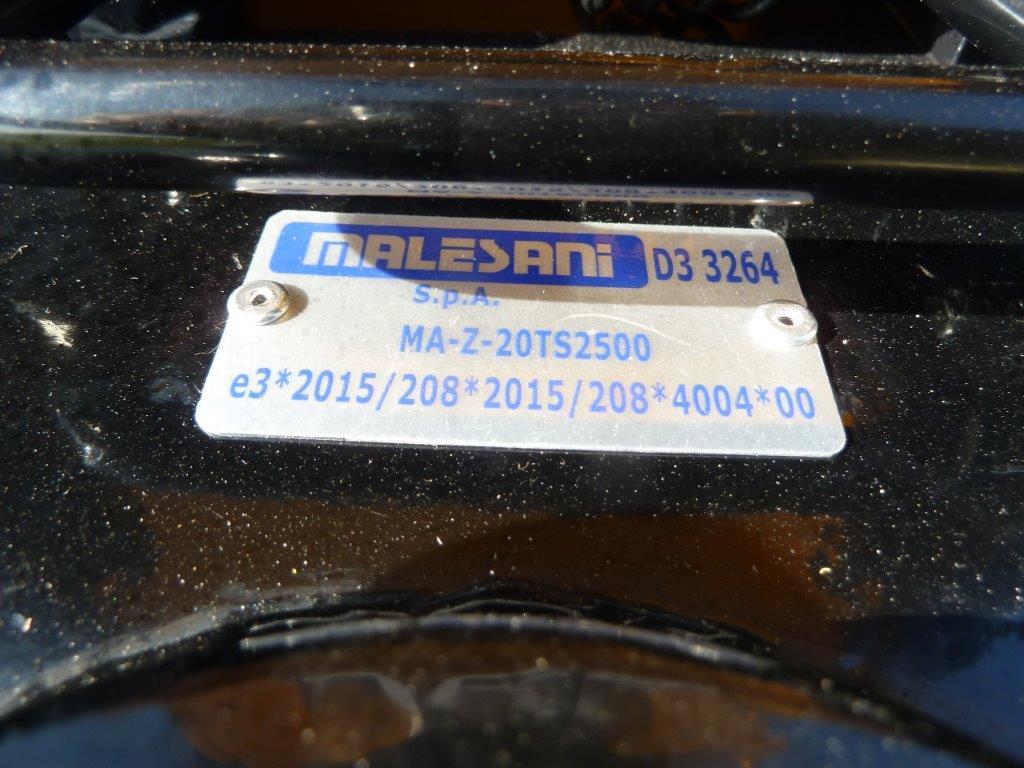 gancio-di-traino-per-trattore-cat-d3-a-posizionamento-rapido-slider-2.jpg