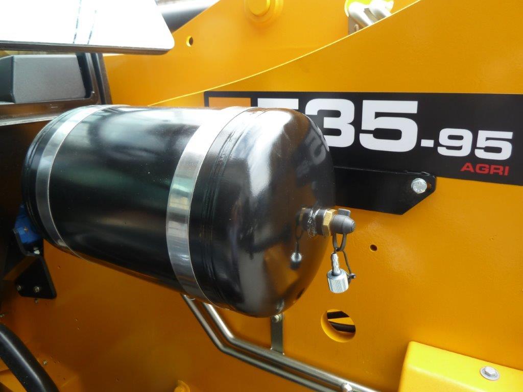 serbatoio-jcb-535-95.jpg